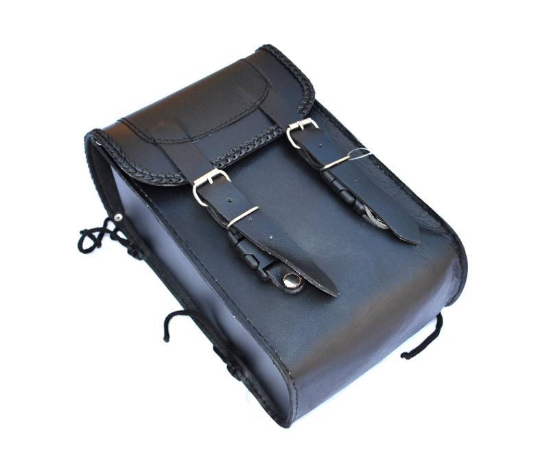 sacoche en cuir simple mod le pour sissi bar moto custom. Black Bedroom Furniture Sets. Home Design Ideas